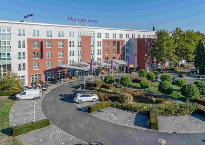 Mercure Hotel Kamen Unna Aussenansicht mit Parkplatz